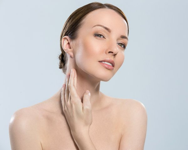 A partir de los 40 años comienzan a aparecer arrugas en el cuello