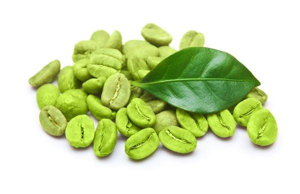 El café verde o café sin tostar aporta antioxidantes