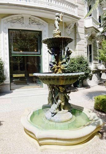 Fuente del jardín del palacio de Nerva, sede de IML (Madrid)