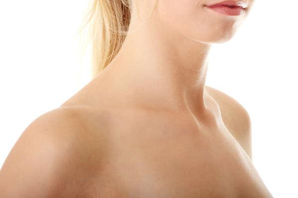 La piel del cuello y del escote envejece antes que la del rostro