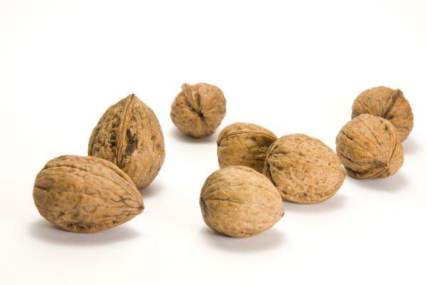 Las nueces contienen vitamina B6