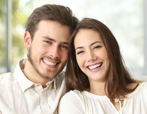 El área facial femenina y el pelo de la barba del hombre están influenciados por las hormonas