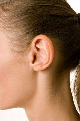 El pelo fino y claro próximo a las patillas no responde bien a la depilación láser