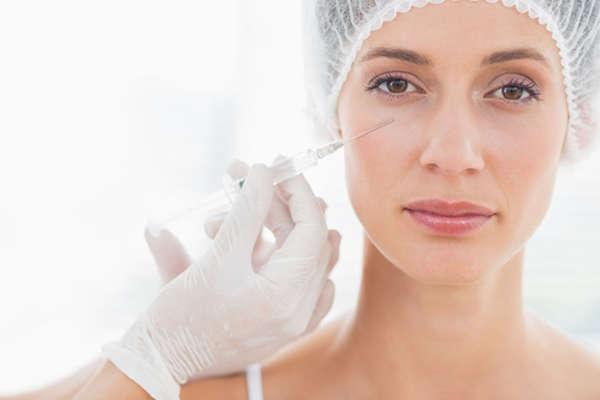 Rejuveflex es un tratamiento de rejuvenecimiento periocular que camufla las bolsas en los ojos