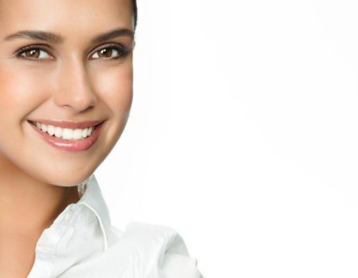 Voluminización Facial: Rejuvenecimiento con ácido hialurónico