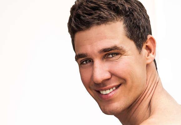 Para personalizar al máximo el injerto de pelo, nuestra clínica dispone de distintas técnicas