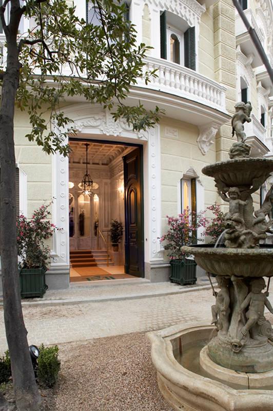 Fuente del jardín del Palacio de Nerva