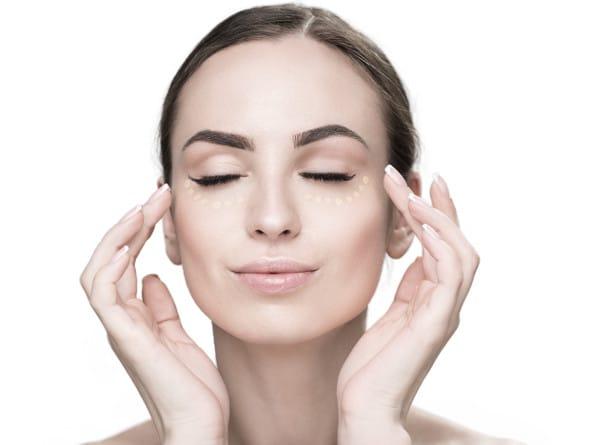 hidratar la piel para evitar la cara cansada