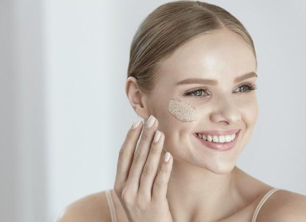 Exfoliantes faciales: todo lo que debes saber